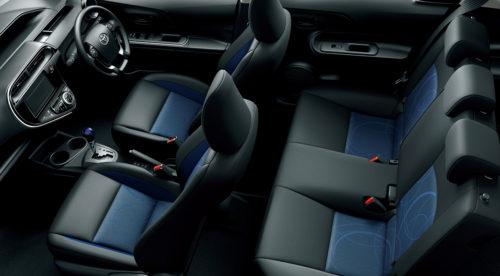 「S」 内装色:ブルーブラック、シート:S用ファブリック